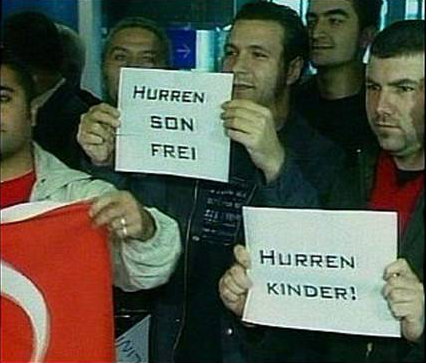 Begrüssung der Schweizer Fussballnationalmannschaft in der Türkei