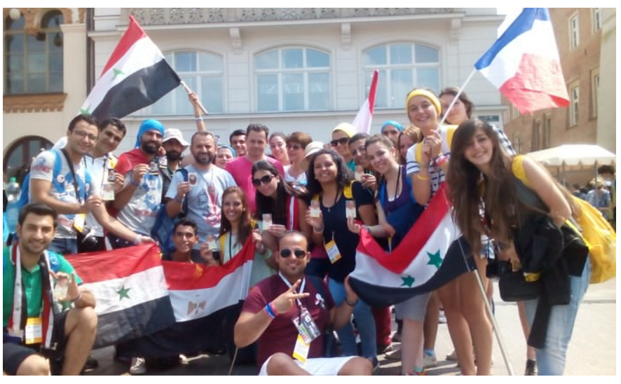 Die Gruppe junger Syrer auf dem Weltjugendtag in Krakau, mit Rita.